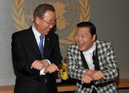Eric Schmidt and PSY do the Gangnam Style