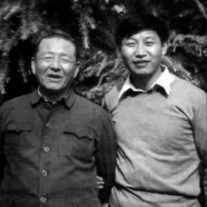 Hu Jintao (left) and Xi Jinping (right)