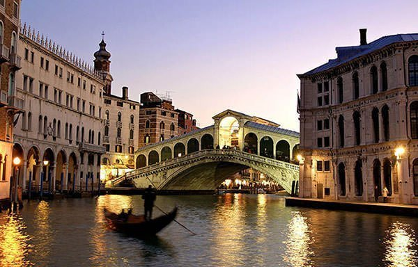 The Magnificent Rialto Bridge in fading light