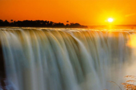 Victoria Falls | 10 Facts About The Largest Waterfall
