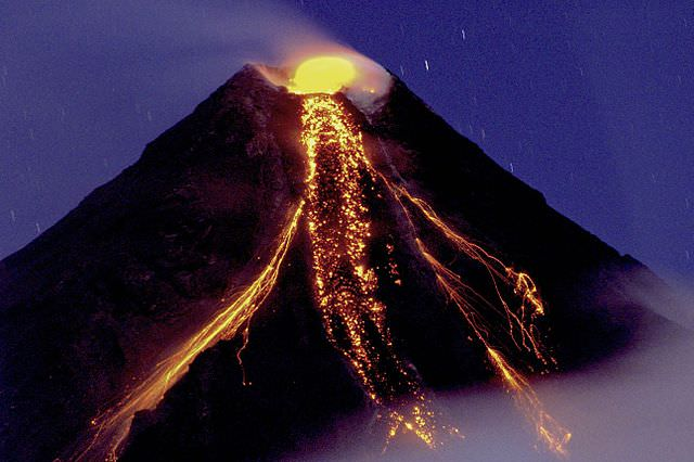 Mayon Volcano 2009 eruption