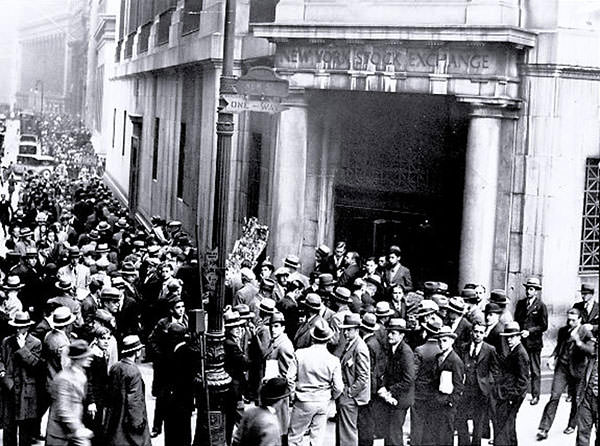 Wall Street crowd after 1929 crash