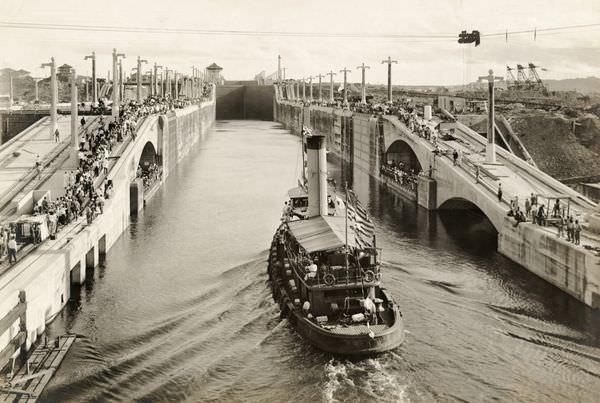 Panama Canal in 1913