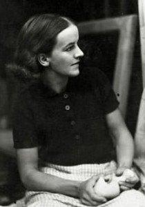 Barbara Hepworth in 1933