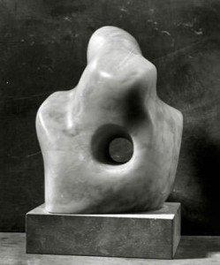Pierced Form (1932) - Barbara Hepworth