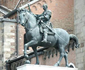 Equestrian statue of Gattamelata (1453) - Donatello