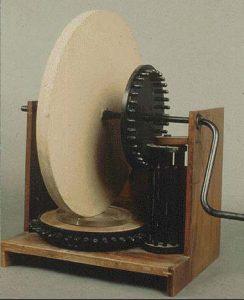 Reconstruction of Leonardo's lens-grinding machine