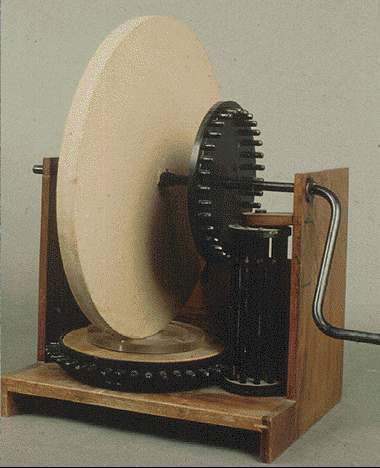 Reconstruction of Leonardo's lens-grinding machine