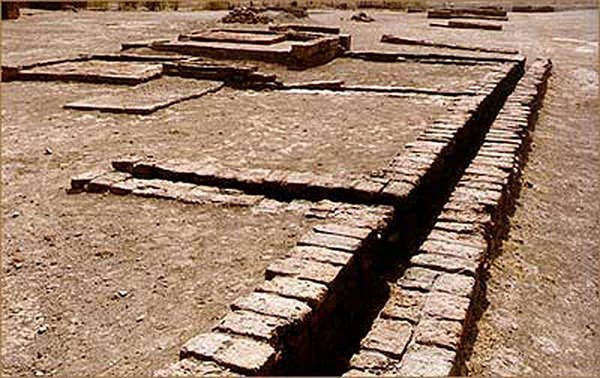 Drainage system of Indus Valley Civilization at Lothal