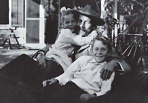 E. E. Cummings family photo