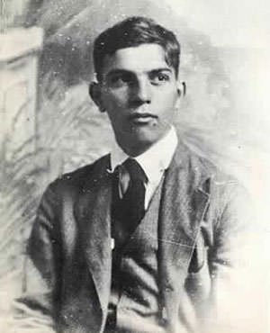 E.E. Cummings Harvard graduation photograph