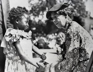 Eleanor Roosevelt with children in 1935