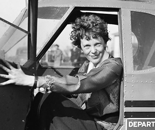 Amelia Earhart Facts Featured