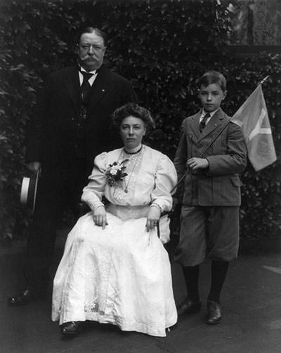 William Howard Taft with wife and son