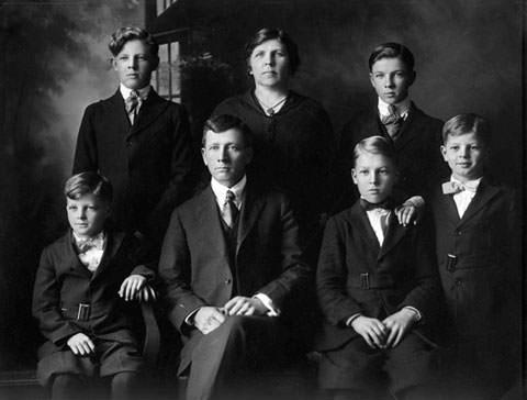 Jackson Pollock parents and siblings