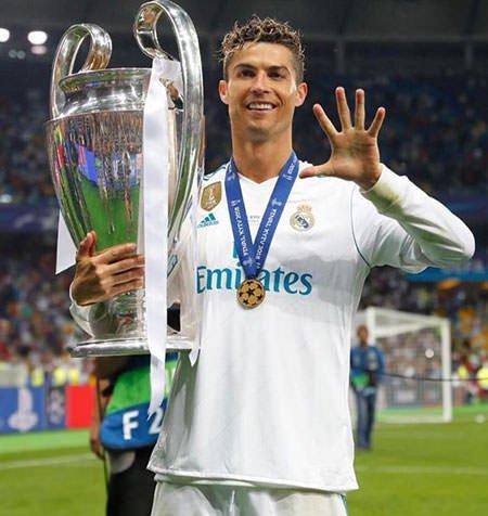 Cristiano Ronaldo 5th Champions League Trophy